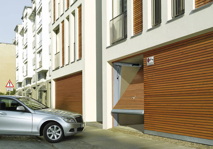 Vrata pro hromadné garáže